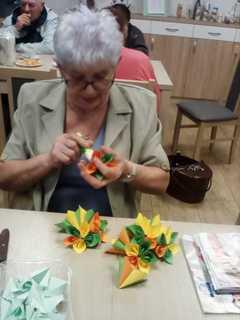 Galeria Malowanie kamieni i robienie kwiatów